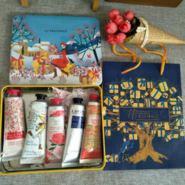 hand creams lotions Canada - Hottest Christmas Gift Pack EN PROVENCE Hand Cream Set with 5 pieces pack suit mini hand lotions free shipping DHL