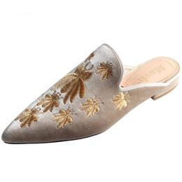 Women Velvet Flat Shoes UK - Mavirs Women 2018 Square Heel Mules Flat Shoes  Embroidered Soft 4b4943f7290a