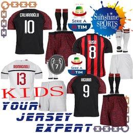 AC Milan kids kit футбол Джерси 18 19 Главная красный Away белый ТРЕТИЙ черный HIGUAIN SUSO CALHANOGLU мальчик набор ROMAGNOLI BONAVENTURA 2018 2019 ребенок