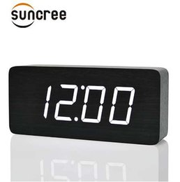 Wholesale Suncree Big Number LED Wooden Table Desk Alarm Clock with Temperature Wood Voice Activated Digital Table Clocks