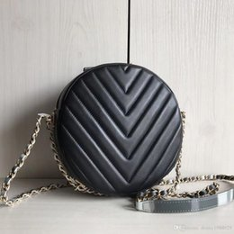 Chevron shoulder bag online shopping - 2018 NEW women circular Coin clutch Chevron Ladies calfskin Genuine Leather lambskin V grid Cross Body classic shoulder casual Makeup bag