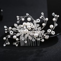Diamond Ball Hair Canada - Bride headdress wedding accessories hand pearl hair disc jewelry diamond hair comb