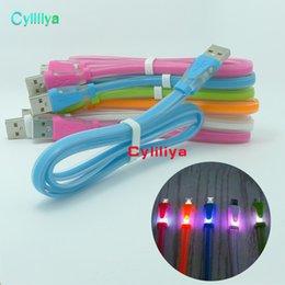 Vente en gros Visible LED Lumière Micro USB Sweet Candy Câble 1m 3ft plat chargeur de nouilles Sync Data Extra charge adaptateur de ligne d'éclairage pour Samsung HTC
