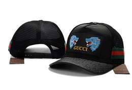 1a1f121412c07 Malha de verão bola tampas com abelha tigre cobra padrão masculino e  feminino moda boné de beisebol para o esporte de alta qualidade chapéu de  pesca de ...