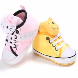 Wholesale Sport Pink Hello Kitty Girl Baby Sneakers Cartoon Bear Boy First Walkers Skid Proof Bottom Sapatos Newborn Scarpe Baby Shoe