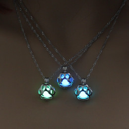 Wholesale Glow In The Dark Necklace Metal Pet Cat Necklaces For Woman Animal Dog Paw Hollow Pendant Night luminous Light Accessories drop ship