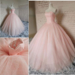 China 2018 Pink Sweetheart Neck Ball Gown Quinceanera Dresses Tulle Sweet 16 Lace up Back Prom Dresses Party Gowns Special Occasion Dresses cheap coral quinceanera dresses sweet 16 suppliers