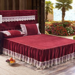 Discount grey red bedding sets - 3Pcs lace bed skirt set pillowcases fleece winter bedding set Grey Red Green Purple mattress bed cover set50