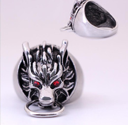 vintage gothic mens rings NZ - Mens Wolf Head Ring Cool Silver Rings For Men Final Fantasy Biker Rings Gothic Red Cystal Eyes Vintage Jewelry