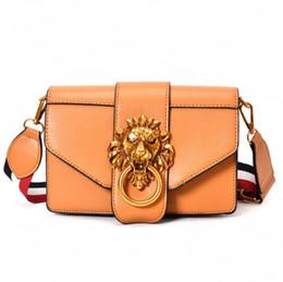 $enCountryForm.capitalKeyWord UK - Wide shoulder strap handbag 2018 new retro wild shoulder bag fashion metal lion head decoration Messenger bag