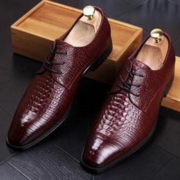 $enCountryForm.capitalKeyWord Canada - New Fashion Casual Mens Dress Shoes Genuine Leather Crocodile Lace-up Italian Stylist Flat Formal Oxfords Wedding shoe 3 color