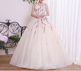$enCountryForm.capitalKeyWord NZ - Light Champagne Tulle Prom Dress Long Double V Neck 3D Floral Appliques Embroidery Floor Length Ball Gown Evening Party Dresses Custom