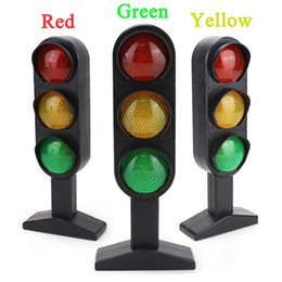 China New 1Pcs Time-limited New Trains Slot Kid Juguetes Child Traffic Light Signal Lamp Toy Mini Cars Electric Railway Brinquedos Toy cheap lamp training suppliers