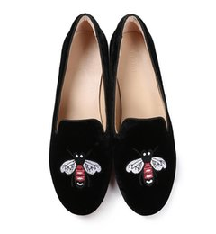 womens flat shoes glitter UK - 2019 Fashion Brand Womens Velvet Flats Princetown Shoes Round Toe Metal Chain Ladies Loafers Flats embroidery Casual Shoes NXX69