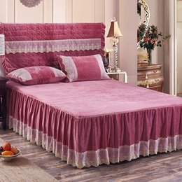 grey red bedding sets 2019 - 3Pcs lace bed skirt set pillowcases fleece winter bedding set full queen king size Grey Red Green Purple mattress bed co