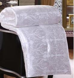 Wholesale- Hochwertige natürliche Maulbeereseidesteppdecke Tribute Silk Baumwollgewebe aus reiner Baumwolle Vier Jahreszeiten Tröster / Bettdecke / Decke im Angebot
