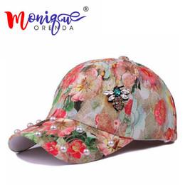 Chinese  Gold flower leisure baseball cap outdoor diamond pearl bee sunshade hat women personality street Hip hop casquette summer hat manufacturers