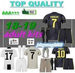 RONALDO JUVENTUS Camisa De Futebol ADULTO KIT 2018 2019 DYBALA BERNARDESCHI MANDZUKIC D. Costa 18 19 Camisa de Futebol JUVE melhor qualidade