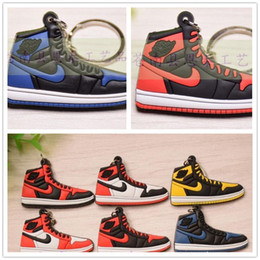 Wholesale Fashion Sports Shoes Keychain Cute basketball Key Chain Car keys Bag pendant Gift many colors can choose