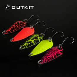 isca lure Canada - OUTKIT 5pcs Mix Colors 3cm 3g Fishing Spoon Lure Swim Bait Isca Artificial Trout Lure Pesca Fishing Tackle Leurre Truite Spoons Y18100806