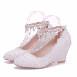Wedding Shoes Lace Wedge Heel NZ - New Fashionl Handmade lace flowers pointed toe shoes for women heels fashion wedding shoes wedge heel shoes elegant Plus Size Bridal heels
