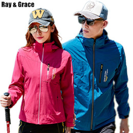 $enCountryForm.capitalKeyWord NZ - RAY GRACE Hiking Jacket for Men Women Hooded Outdoor Sports Clothes Spring Waterproof Windproof Trekking Climbing Thin Coat