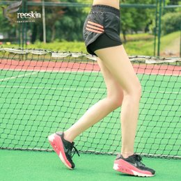 $enCountryForm.capitalKeyWord NZ - Freeskin Women Sports Shorts Stripe Running Sportwear Active Yoga Shorts For Fitness Gym Workout Clothes for Women