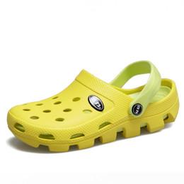 Eva Clog Canada - Candy Colors Women Slippers Clogs Mules Eva 2017 Summer Flip Flops Beach Garden Shoes Fashion Sandals Outdoor Chinelo Feminino