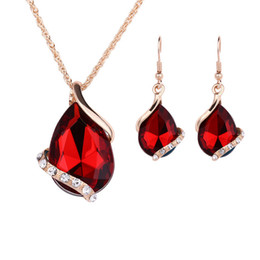 China New Women Crystal Jewelry Set Water Drop Crystal Necklace Earrings Set Wedding Bridal Dress Accessories Jewelry Sets suppliers