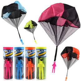 $enCountryForm.capitalKeyWord NZ - Kids Mini Parachute Hand Throwing Parachute Toys For Children Fun Outdoor Games Solid Educational Parachute With Figure Play toy