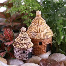 small house decoration Australia - Round Resin Thatched House Micro Landscape Moss Bottle Decoration Desktop Assembled Small Ornaments Toys Fairy Garden DIY Zakka Material