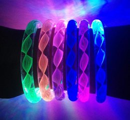 Wholesale Multi color Mixed new Design Flash Light LED Bracelet Acrylic Bangles More Colors Fluorescent Bracelets For Party Bar Concert
