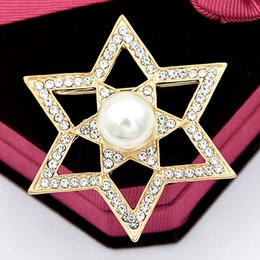 east star wholesale NZ - Hot Selling Good Quality Factory Price Little Star Brooch Shinning Crystals With Imitation Pearl Lady Corsage Gold Color Detailed Lady Pins