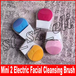 Wholesale Mini Facial Cleansing Brush Sonic Cleansing for Face Skin Cleaning Medical Level Silicone Waterproof face brush makeup