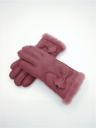 $enCountryForm.capitalKeyWord NZ - Classic Fashion women Winter Wool Gloves Bow Warm Gloves Windproof Frostproof Leather Gloves 100% Leather Quality