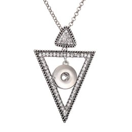 necklaces pendants Australia - MKI NOOSA Circle Triangle Snap Jewelry Silver Crystal 18mm Snap Button Pendant Women Girls Interchangeable Snap Necklace Pendant