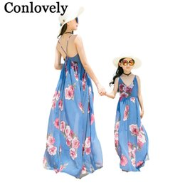 $enCountryForm.capitalKeyWord UK - Mother Daughter Dresses Summer Holiday For Mommy And Me Family Look Clothes Mom Daughter Bohemian Dress Family Matching Outfits