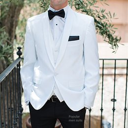 Discount white beach wedding suit Custom Made White Shawl Lapel Suits Mens Formal Skinny Summer Beach Simple Wedding Tuxedo 3 Pieces Men Suit (Jacket+Pants+Vest)