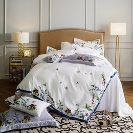 Wholesale Egyptian Coon Embroidey White Grey Bedding sets Soft Bedclothes Queen King size Duvet cover Bed sheet set Pillow shams