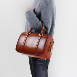 Nuevo bolso de cuero genuino estilo 2018 para mujer Bolso Boston / bandolera con correa larga en venta
