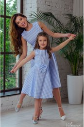$enCountryForm.capitalKeyWord NZ - 2018 New Mother Daughter Dresses Bow Plaid Family Matching Outfits Blue O-neck Fashion Mom and Daughter Dress Women Kids Clothes