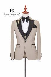 e57e96dc7 nuevo Personalizar Slim Fit Groom Tuxedos Groomsmen crema Caqui Side Vent  Wedding Boda Mejor traje de hombre Trajes de hombre (chaqueta + pantalón +  chaleco ...