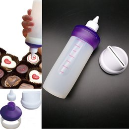$enCountryForm.capitalKeyWord NZ - 100Pcs lot Silicone Bakeware Candy Melting Decorating Squeeze Bottle Kitchen Accessories Cake Tools Set