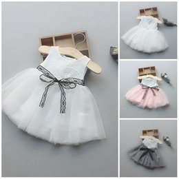 $enCountryForm.capitalKeyWord NZ - 2018 Adorable Flower Girls Dresses Tulle Ball Gown Toddler Dress Jewel Neck Simple Girls Dress With Lace Sash