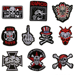 $enCountryForm.capitalKeyWord NZ - 11 Skull Punk Embroidered Patches Pirate Sewing Iron On Creative Badge For Bag Jeans Hat T Shirt DIY Appliques Decoration