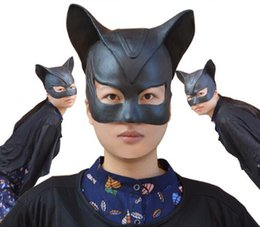 Wholesale Fast shipping halloween Stage Cosplay Sexy Batman Cosplay Costume Catwoman Mask Headgear Black Half Face Latex Mask Cosplay Party Mask