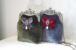$enCountryForm.capitalKeyWord Canada - Velvet Handbag Clutch Vintage Retro Wallet Women Purse Handbags Green Blue with Drop Pearl Bow Decoration Diamond Velvet Bags
