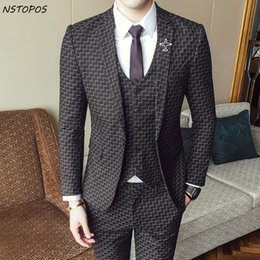 Beige Slim Suits For Men Canada - Check Suits For Men 3 Piece Wedding Suit 2017 Autumn Winter Vintage Plaid Suits For Men Costume Homme Slim Fit Swallow Gird Suit