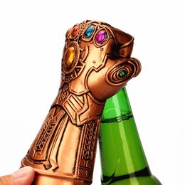 Ingrosso Metallo The Avengers 3 Infinity Gauntlet Bottle Opener Figurine Thanos Guanti Modello Miniature Decorazione Artigianato Home Decor Regali