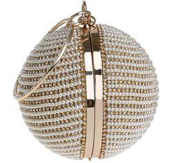 Pearl Ladies Handbag NZ - 2018 The Fashion 3 Colors European and American Round Dinner Bag Ladies Gold-plated Silver Pearl Handbag
